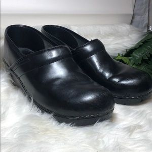 DANSKO black shoe